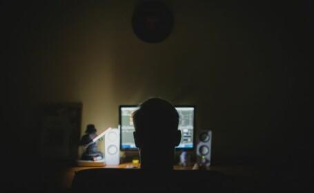 Doi suspecți de fraudă informatică, căutați de autoritățile americane, au fost prinși la Ploiești