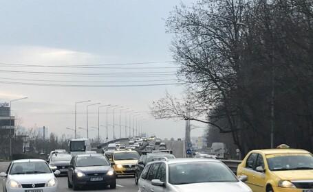 Trafic aglomerat pe DN 1. Coloană de 6 kilometri formată spre Brașov