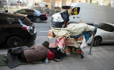 """Criză într-un mare oraș. Peste 7.500 de oameni locuiesc pe străzi: """"Un peisaj sinistru"""""""