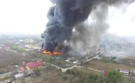 Panică în Craiova din cauza unui incendiu uriaș. Fumul, vizibil de la câțiva kilometri
