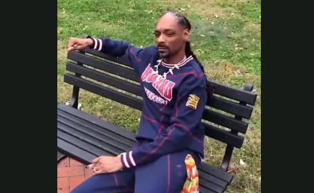Snoop Dogg îl sâcâie pe Donald Trump chiar la el acasă. Ce a făcut în fața Casei Albe. VIDEO
