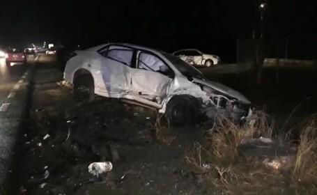 Carambol cu 3 mașini în Suceava. Trei adulți și un copil au fost răniți