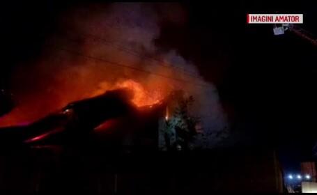 Incendiu violent într-o localitate de lângă Cluj