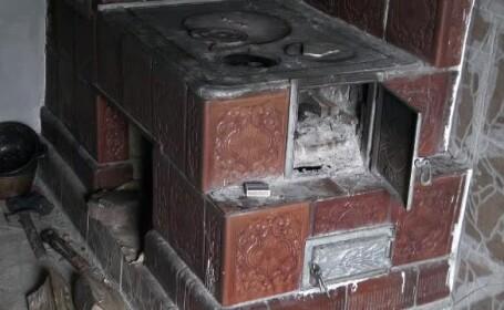 O adolescentă a suferit arsuri grave după explozia unei sobe
