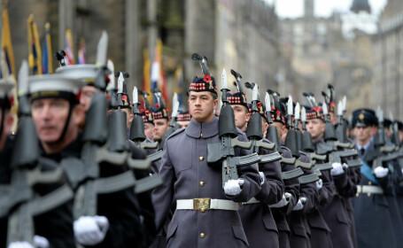 Planul secret al Armatei britanice. Ar putea scoate militarii pe străzi, dacă acordul pentru Brexit e respins