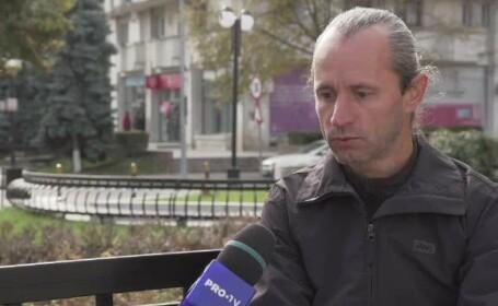 Pățania unui român după ce și-a vândut casa unui tânăr. Cum a rămas fără o sumă uriașă