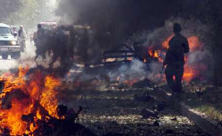 Atac sângeros cu maşină-capcană în Siria. Cel puțin 15 oameni au murit