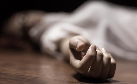 femeie moarta