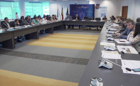 Funcționarii publici din Ploiești, trimiși la cursuri să învețe cum să nu ia mită