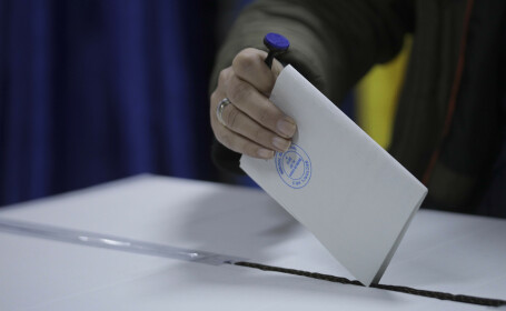 Alegeri anticipate în primăvară, un scenariu tot mai plauzibil. Cine face presiuni