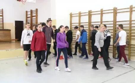 Riscurile la care se expun adolescenții care nu fac mișcare. Este afectată și sănătatea emoțională