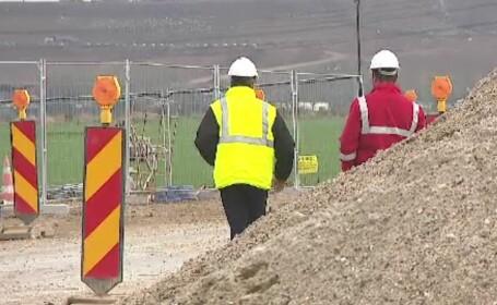 Vom plăti peste 2 miliarde de euro constructorilor de autostrăzi pentru nimic. Bode: \