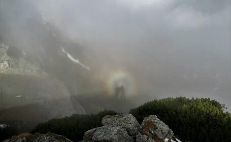Efectul Gloria, un fenomen extrem de rar, surprins în Munții Bucegi. Cum se formează
