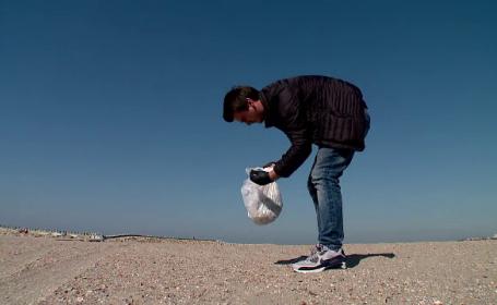 Masca de protecţie, noul tip de deşeu care inundă plajele. Ce au observat activiștii