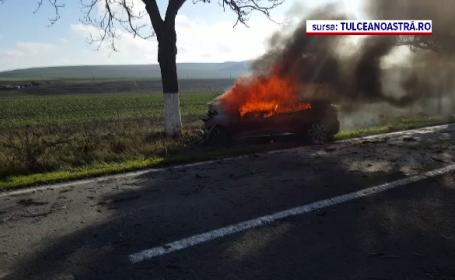 Șoferiță scoasă în ultima clipă dintr-o mașină care a luat foc în Tulcea