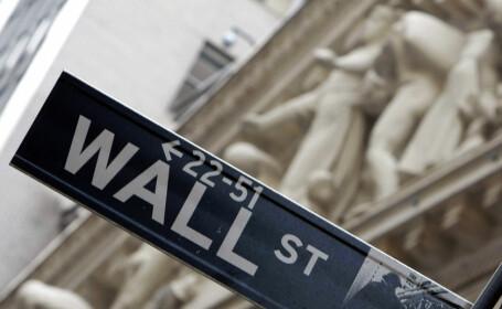Criza finaciara a lovit necrutator si creditele auto din Statele Unite