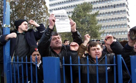 Functionarii ameninta cu greva generala din 16 octombrie