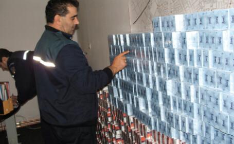 Autoritatile vamale inventariaza tigarile confiscate