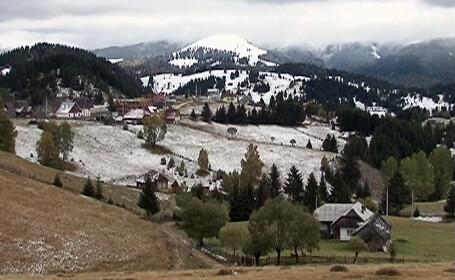 Iarna pare sa se fi instalat definitiv la munte. Zapada de 3 cm la Fundata