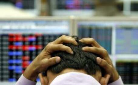 Continua fluctuatiile pe principalele burse europene