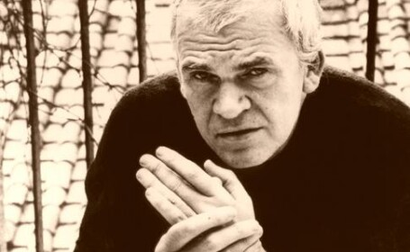 Kundera neaga ca ar fi fost informator