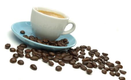 Nu consuma cofeina in exces, daca iei anticonceptionale. Vezi ce risti!