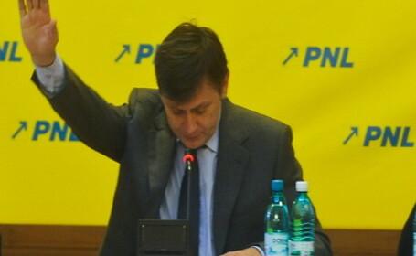 Opozitia nu se da batuta! PNL si PSD strang semnaturi pentru alta motiune