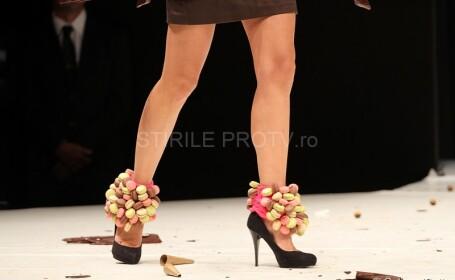 FOTO. Ce crezi ca se intampla atunci cand un model apare pe podium imbracata in ciocolata