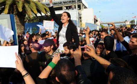 Islamistii au castigat alegerile in Tunisia. Efectul: violente in orasul in care a inceput revolutia