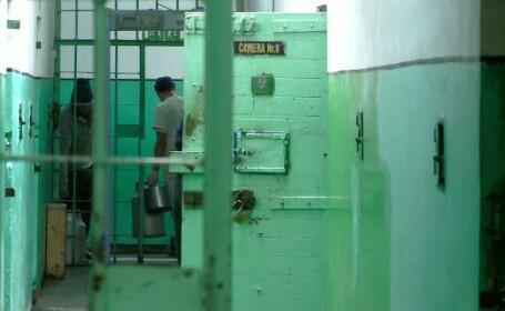 Legea care l-ar elibera pe Adrian Nastase peste patru luni. Ce propun doi parlamentari