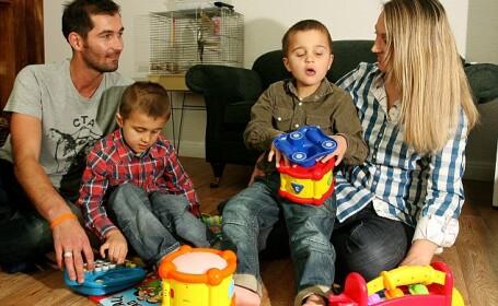 familia Dawkins, gemeni bolnavi de sindromul Batten