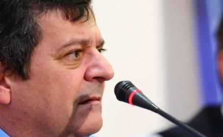Sima sustine ca a fost amenintat ca va imparti o celula cu Basescu daca nu vinde actiunile din presa