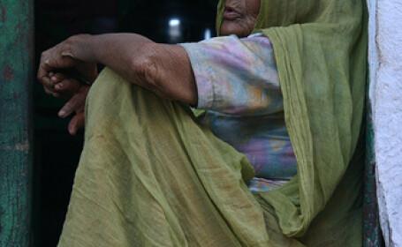 saracie, India, femeie batrana