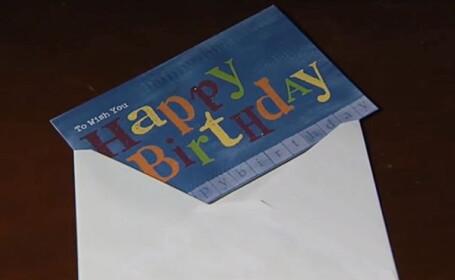 Ce au gasit doi pensionari intr-o felicitare aniversara. \