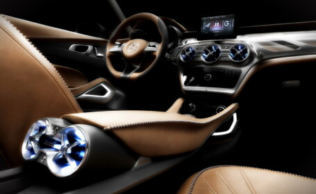 Masina de la Mercedes care sperie Audi si BMW: se vinde ca \