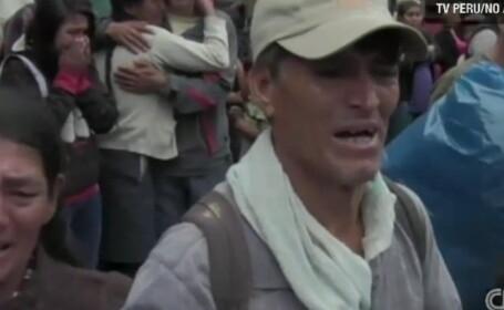 51 de persoane au murit in Peru, dupa un ce un autobuz a cazut intr-o prapastie. VIDEO