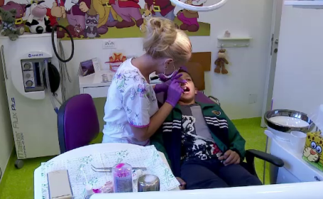 copil la dentist