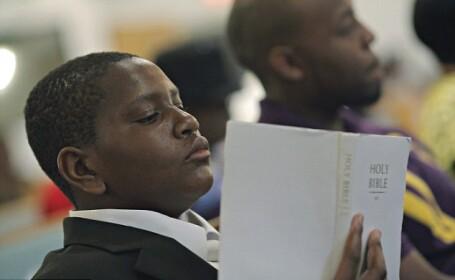 In urma cu cateva zile, i-a rugat pe enoriasii de la biserica sa-l adopte. Ce s-a intamplat cu el