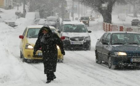 Circulatia rutiera, restrictionata intr-o trecatoare bulgara din cauza unei ninsori timpurii