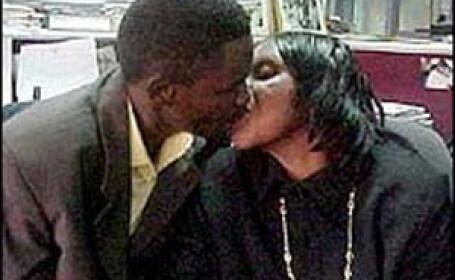 O femeie din Zimbabwe a decis sa se casatoreasca cu fiul ei. \