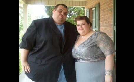 Schimbarea prin care au trecut doi americani. Au pierdut sute de kilograme in 19 luni. VIDEO
