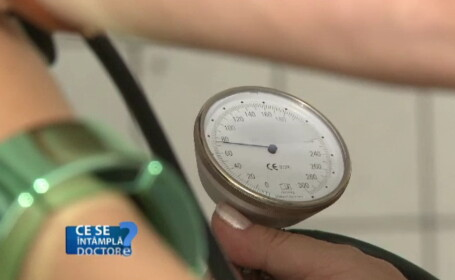 Masurarea tensiunii in mod regulat, un examen de rutina care poate preveni complicatii grave