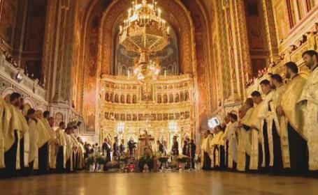 Mitropolitul Banatului, IPS Nicolae Corneanu, inmormantat cu onoruri militare. Mii de oameni au participat la funeralii
