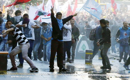 Proteste ale kurzilor in Turcia