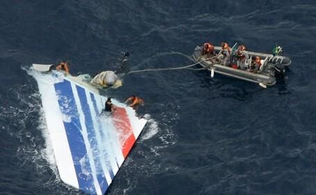 Rezultatele unei noi investigatii: Doi dintre pilotii avionului Airbus 330, prabusit in Atlantic, dormeau la impact