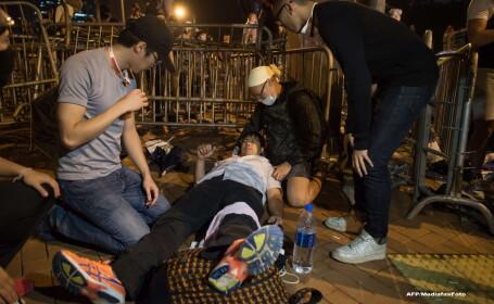 Cele mai violente proteste de pana acum din Hong Kong. Mai multi manifestanti au fost arestati, dupa ciocniri cu politia