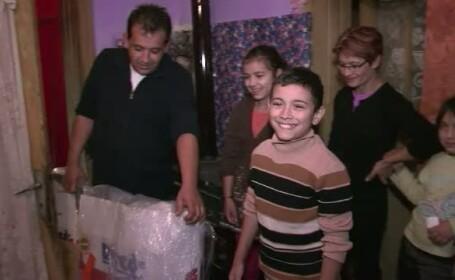 Cei 5 frati sarmani din Satu-Mare nu vor mai ingheta de frig iarna. Impresionati de povestea lor, zeci de oameni i-au ajutat