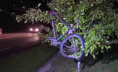 Un biciclist din Gorj a avut parte de o moarte fulgeratoare. A fost lovit de o masina, iar bicicleta s-a rupt in doua