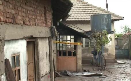 Casa incendiata - STIRI