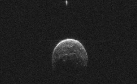 Astronomii romani au determinat compozitia unui asteroid cu potential de pericol pentru Pamant